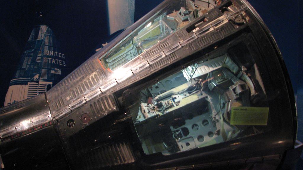 apollo capsule interior - 1024×576